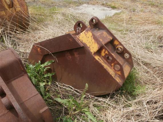 Hensley 3/8 yd Small Backhoe Bucket
